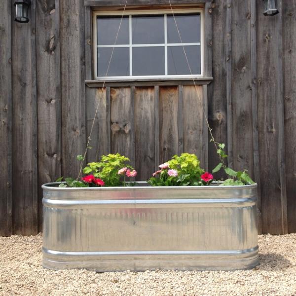 aménagement jardin paysager jardinière en tôle