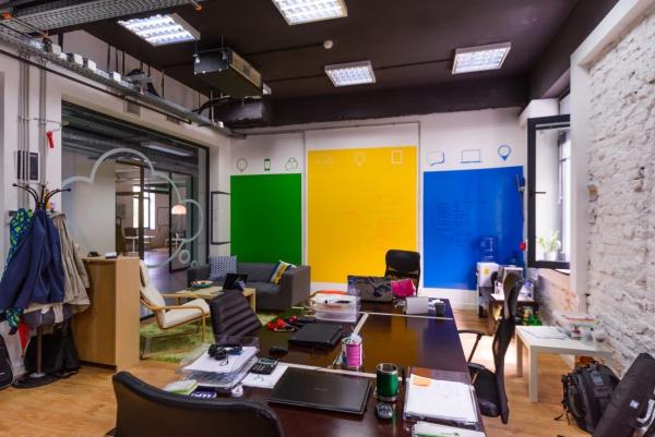 arrangement bureau mur en couleurs