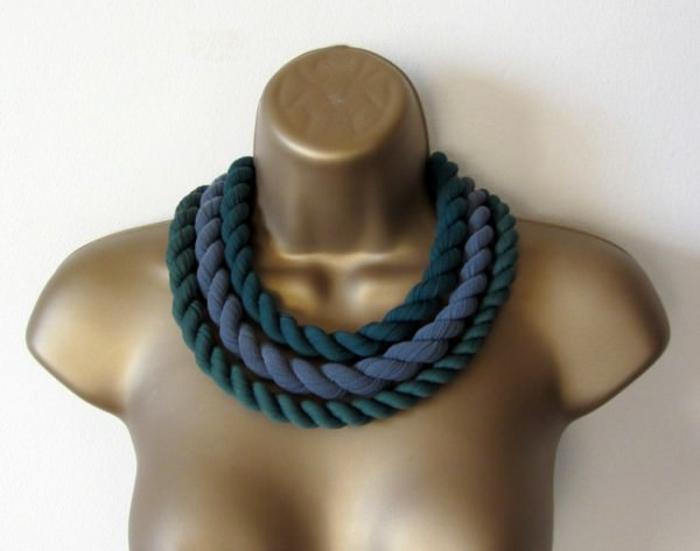 bijoux femme collants troués recyclés idée