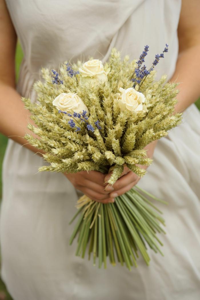 bouquet de mariée champêtre épis de blé et lavande
