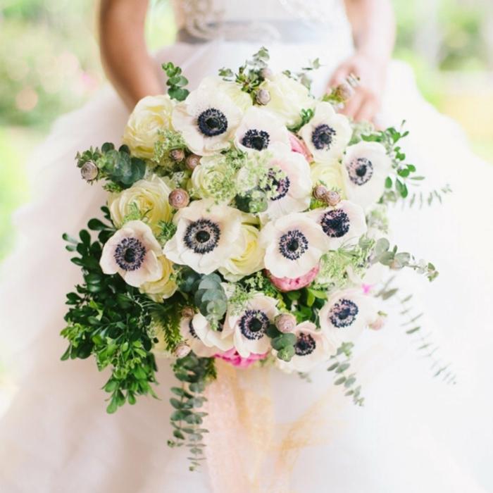 bouquet de mariée champêtre composition florale anémones