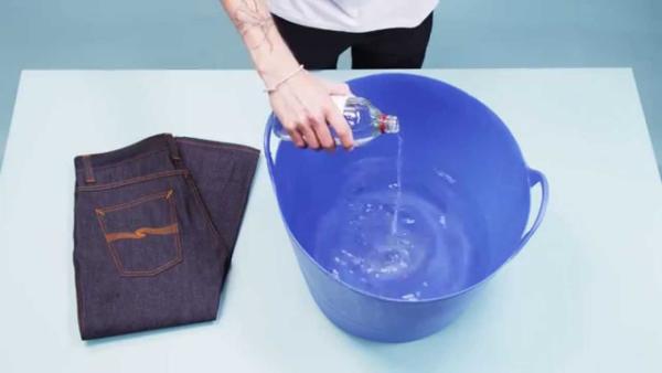 comment laver les jeans correctement attention au détergent
