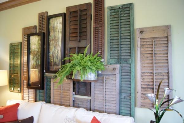 déco salon recyclage mur décoratif de volet fenêtre