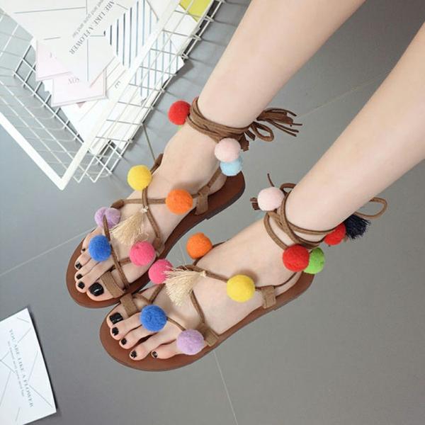 décorer ses chaussures diy sandales pompon femme