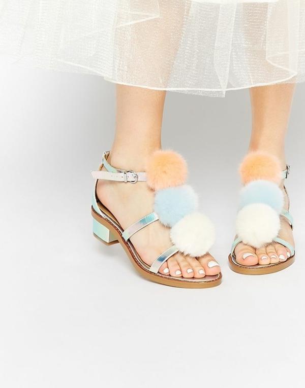 diy sandales pompon à talons bas