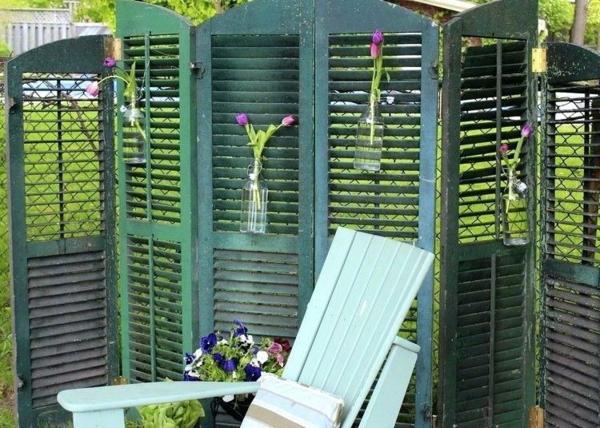 fabriquer soi-même un brise-vue paravent jardin volet fenêtre