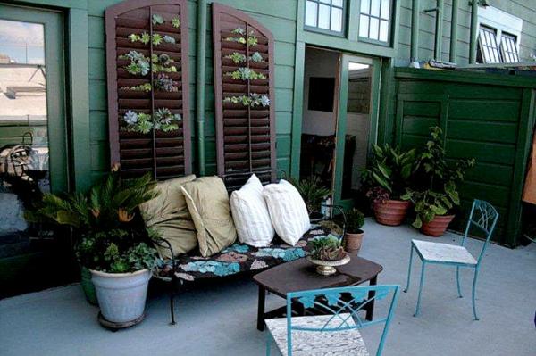 fabriquer un mur vertical jardin patio volet fenêtre