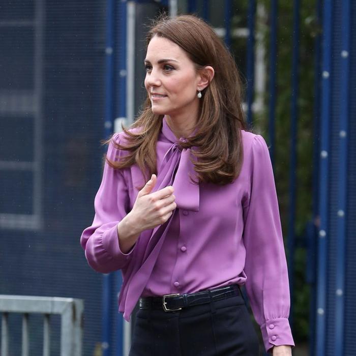 kate middleton chemise en violet col lavallière tendances automne-hiver 2019 2020