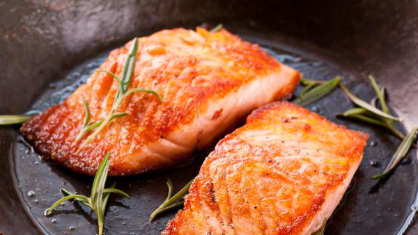 la vitamine D du saumon grillé