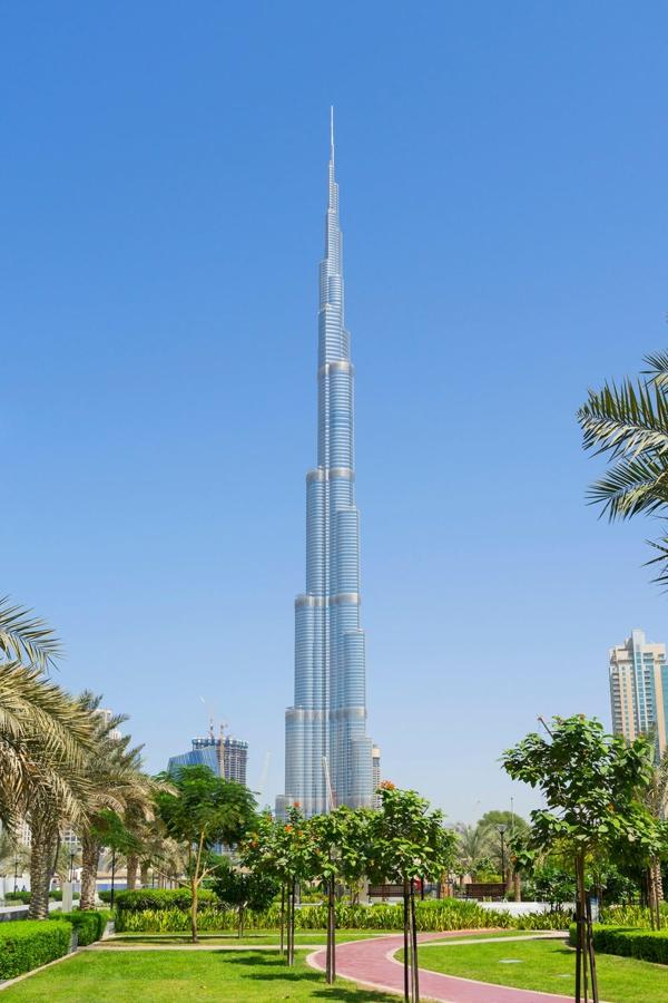 le gratte-ciel Burj Khalifa à Dubaï