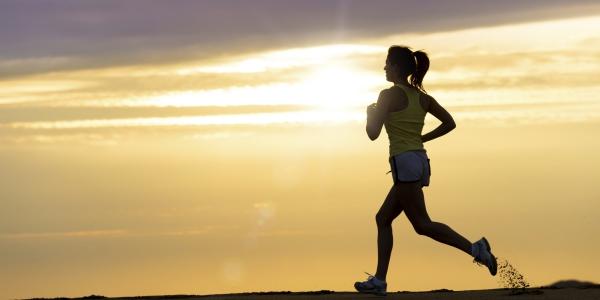 les bienfaits du jogging au lever du soleil