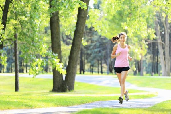 les bienfaits du jogging dans la forêt