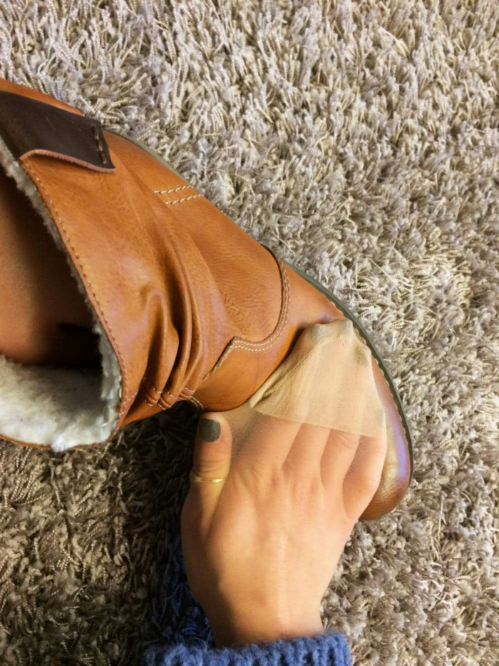 nettoyer vos chaussures collants troués