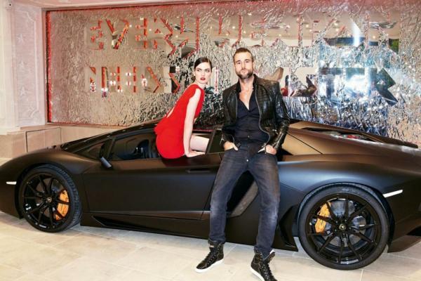 philipp plein possède de nombreuses automobiles de luxe