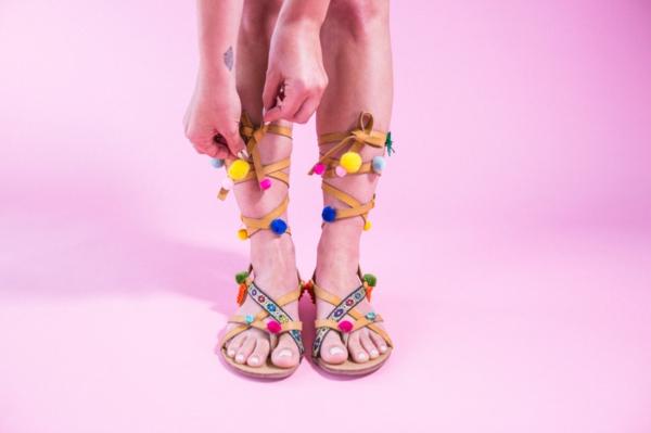 sandales pompon diy type gladiateur femme