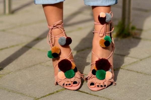 sandales pompon pour femme à confectionner