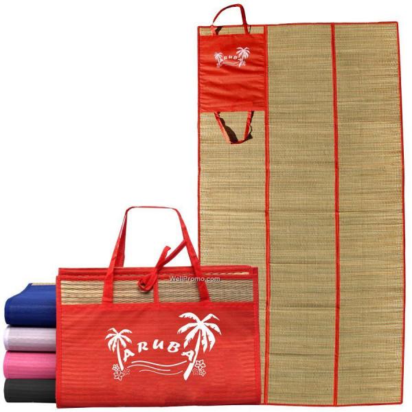 tapis de plage en paille beaucoup de couleurs