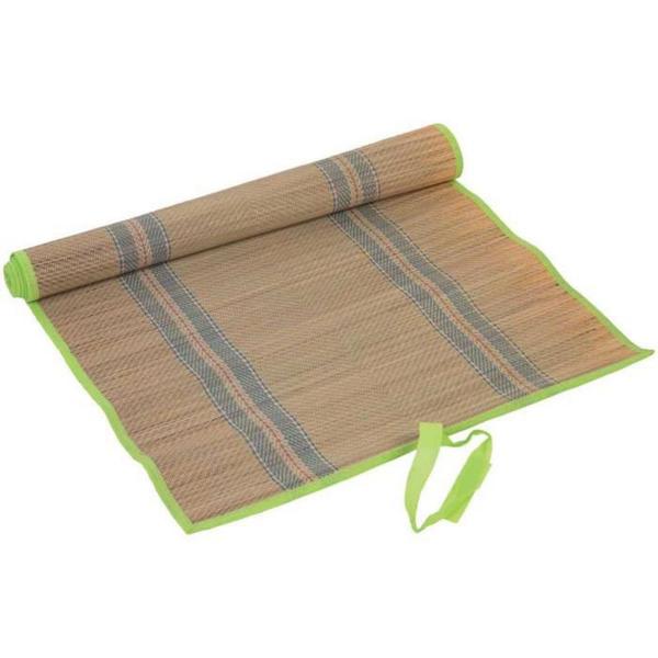tapis de plage en paille ourlets en vert pâle