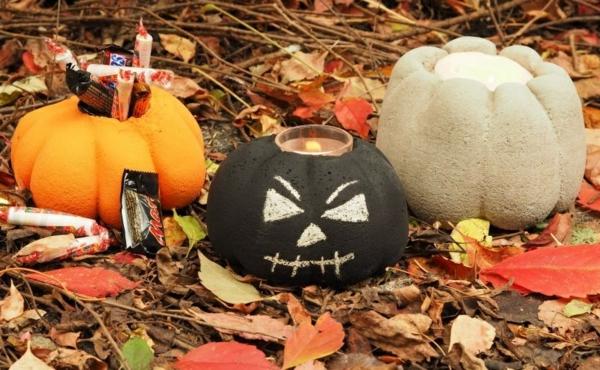 Comment faire une citrouille en béton pour décorer le jardin pour halloween