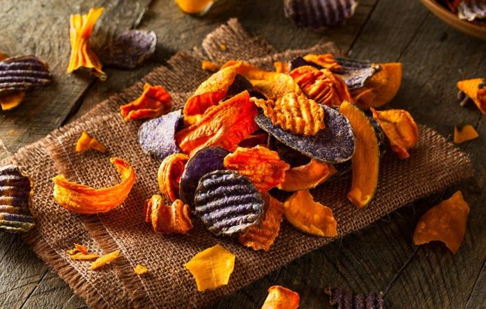 Frites de patates douces carottes et betterave rouge