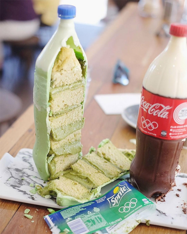 Préparer le gâteau bouteille de coca crème au thé matcha