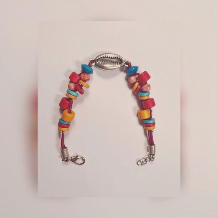 accessoires enfant pour la rentrée un bijou multicolore