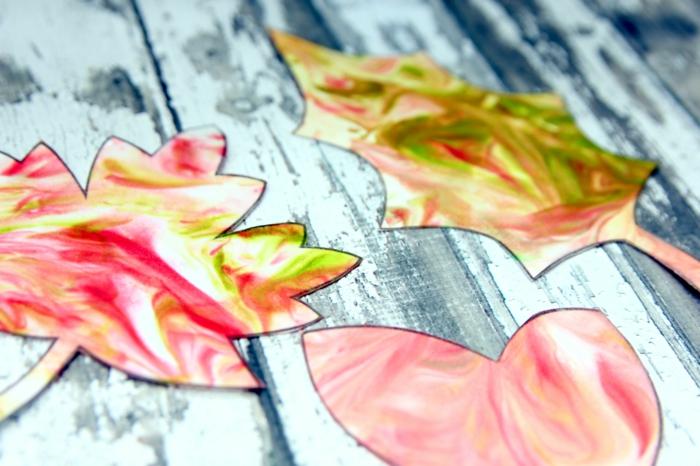 activités manuelles automne avec de la mousse à raser