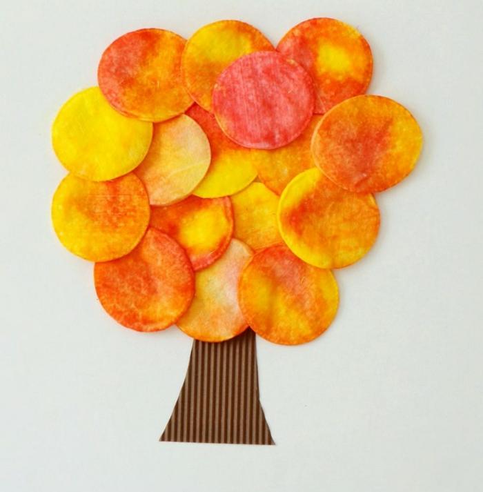 activités manuelles automne avec des disques démaquillants colorés