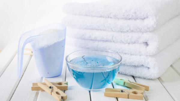 adoucissant lessive en poudre et en liquide