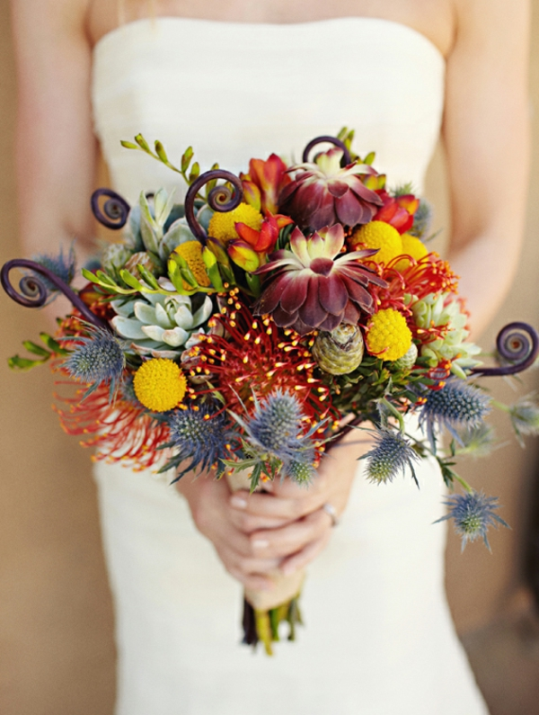 bouquet de mariée automnal chardons bleus succulentes