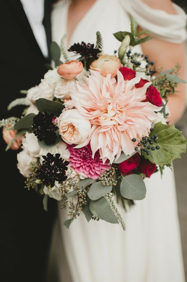 bouquet de mariée automnal dahlias chrysanthèmes