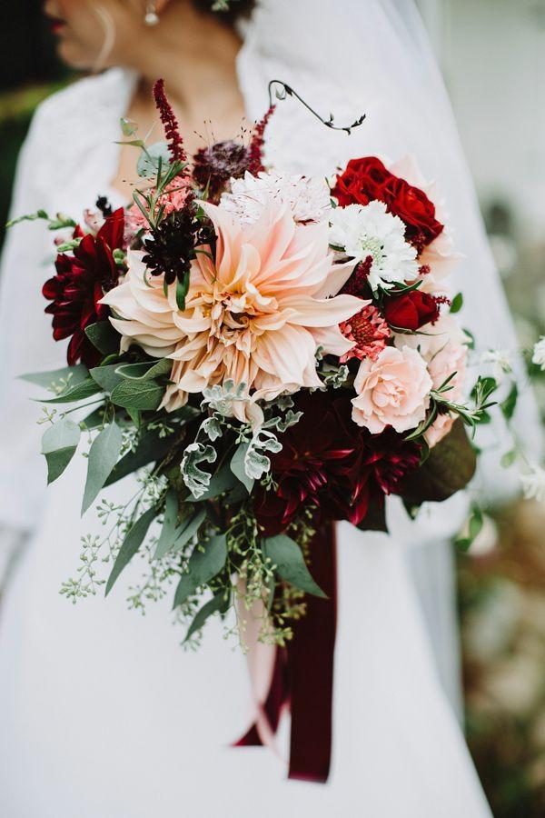 bouquet de mariée automnal eucalyptus roses dahlias