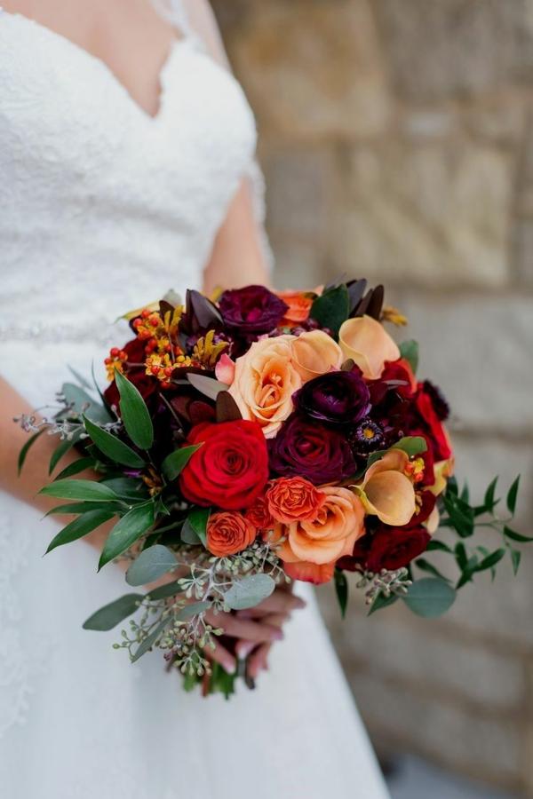 bouquet de mariée automnal renoncules roses lis de callas