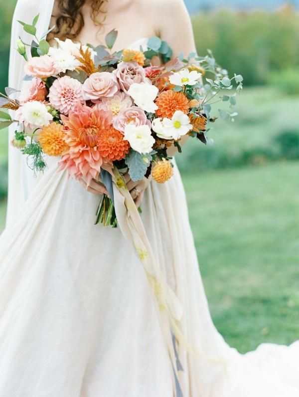 bouquet de mariée automnal roses chrysanthèmes dahlias