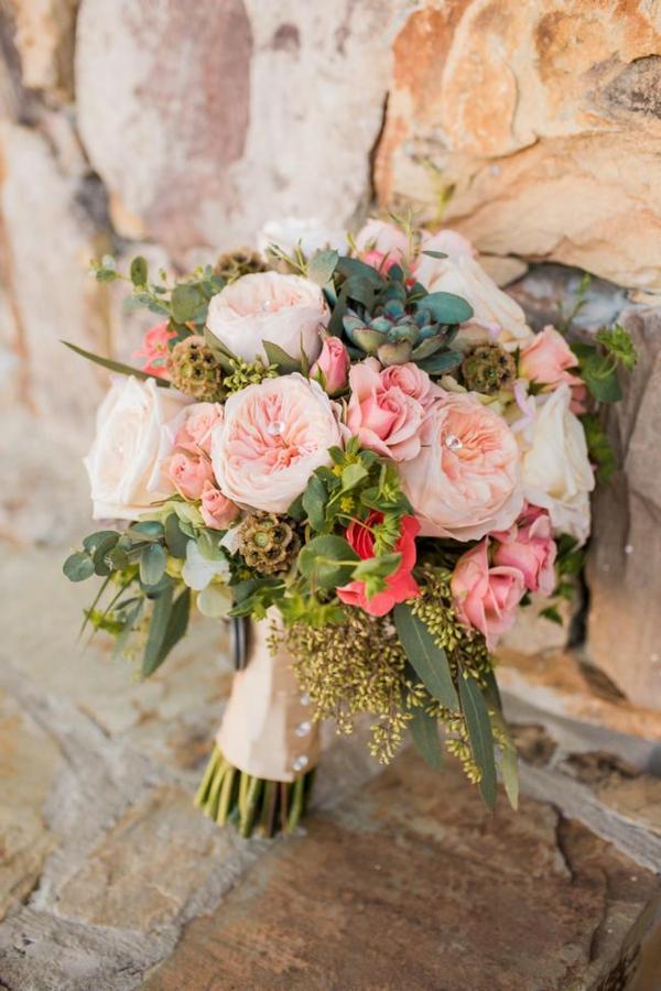 bouquet de mariée automnal roses succulentes eucalyptus