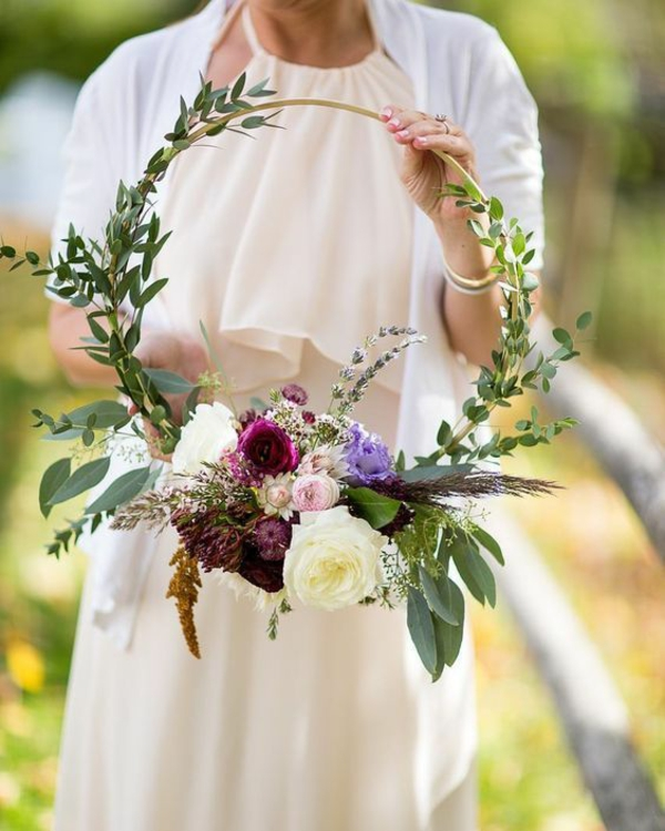 bouquet de mariée en cercle style boho