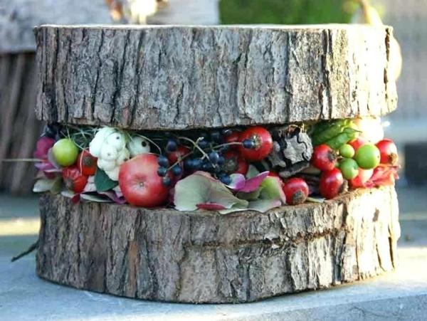 bricolage automne avec des fruits et du bois