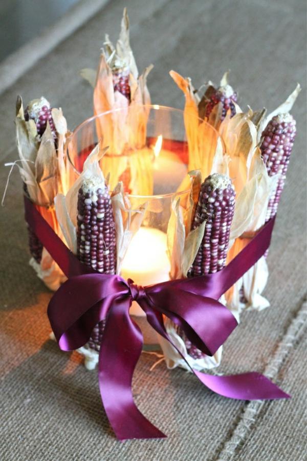 bricolage automne bougeoir décoré d'épis de maïs