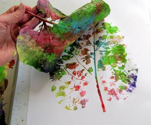bricolage automne empreintes sur papier feuille d'automne