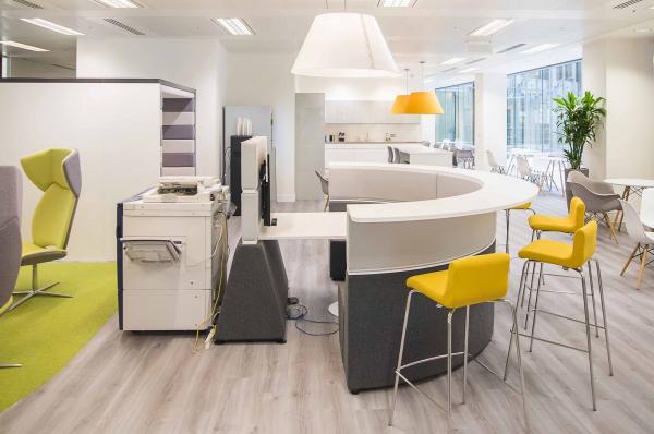 bureau contemporain design combinaison de couleurs
