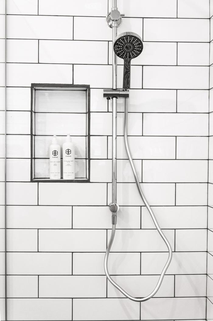 carrelage blanc petite salle de bains