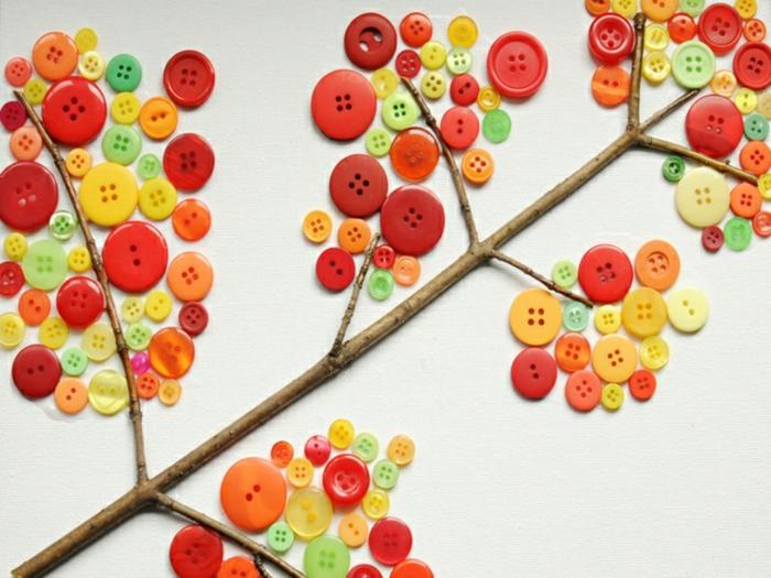 déco inspirée d'automne idée avec des boutons activités manuelles automne