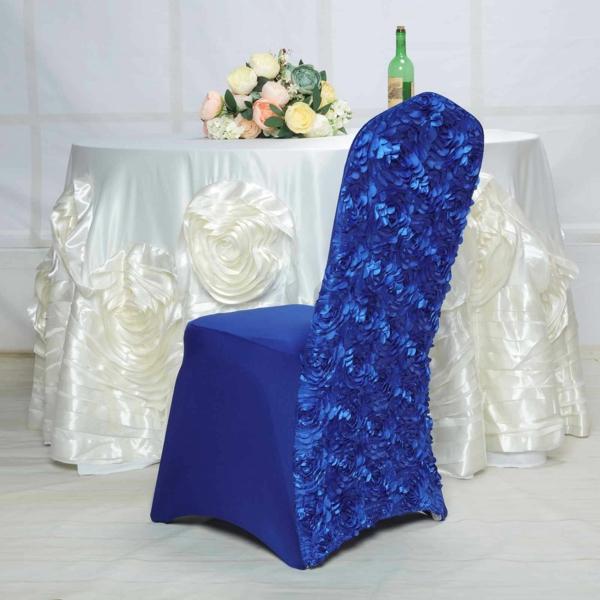 déco mariage housses de chaises en bleu royal