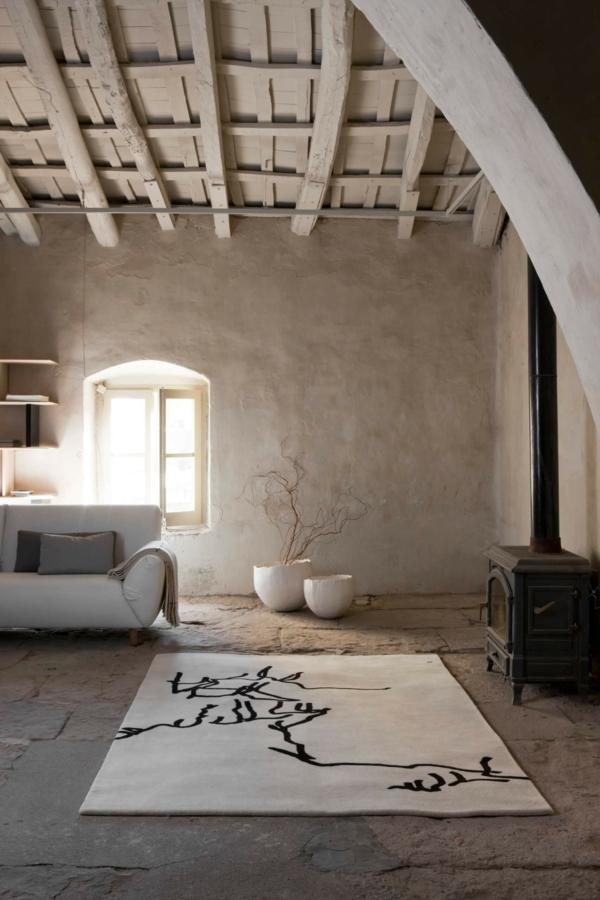 déco salon wabi sabi 2020 murs bruts tapis moelleux poutres apparentes