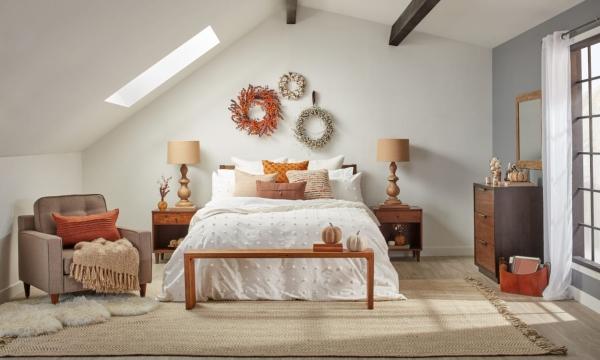 décoration d'automne fait maison vue sur toute la pièce