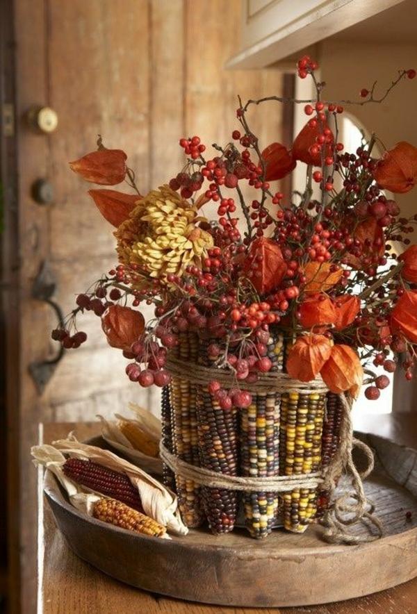 décoration florale automnale physalis épis de maïs baies