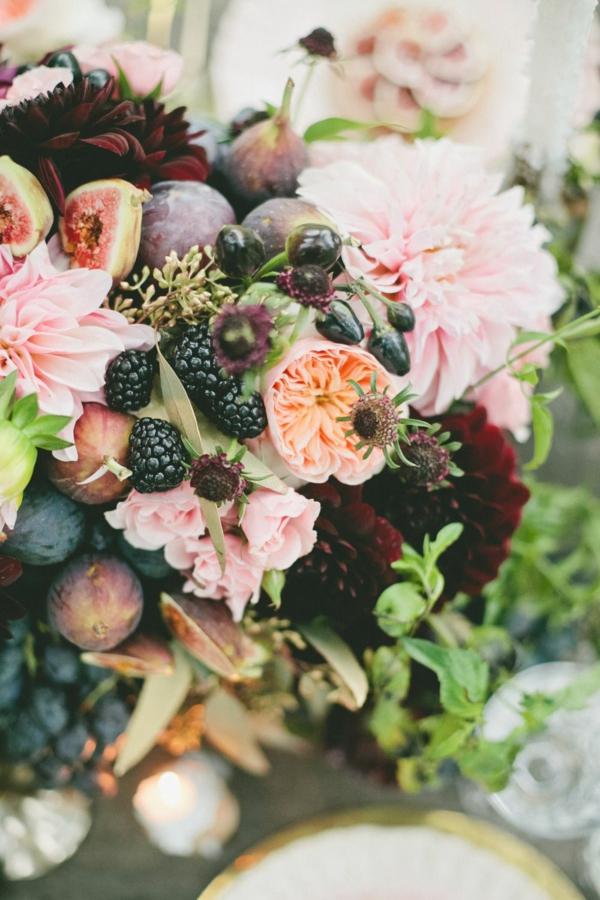 décoration florale automne figues baies fleurs
