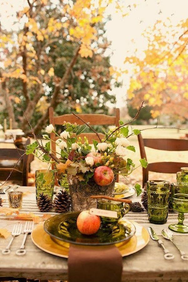 décoration florale d'automne pommes feuilles roses