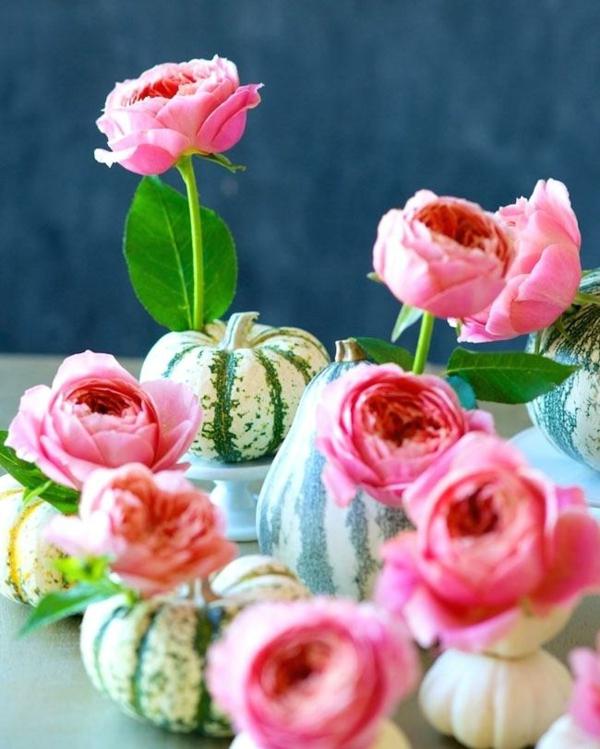 décoration florale d'automne roses mini-citrouilles