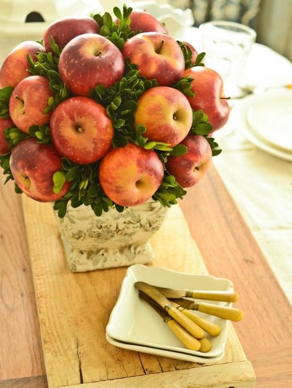 décoration florale de table automne pommes et buis